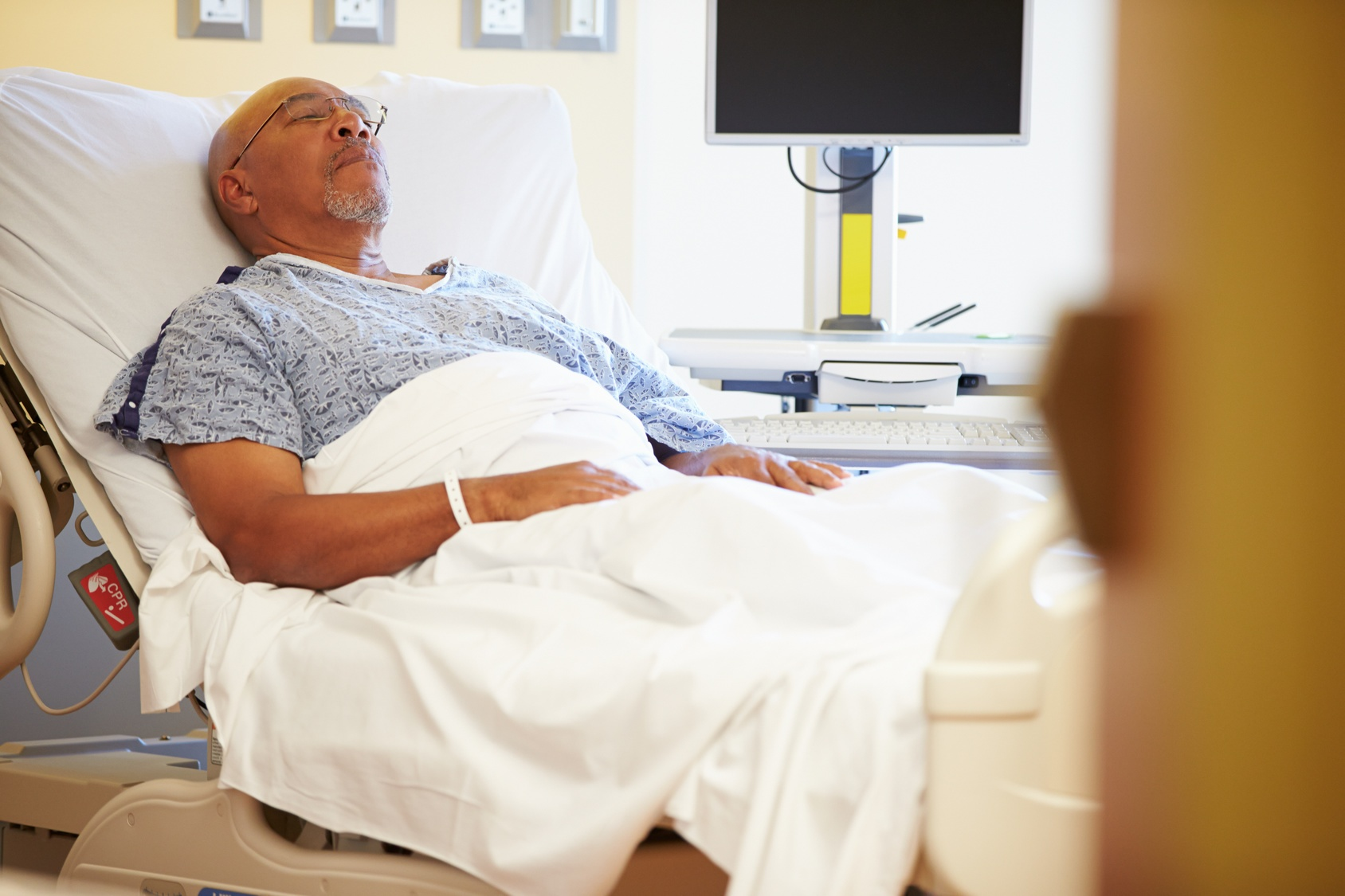 Why Health Isn't the Only Factor That Causes Hospital Readmissions